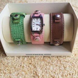 Interchangeable watch with 3 leather bands!